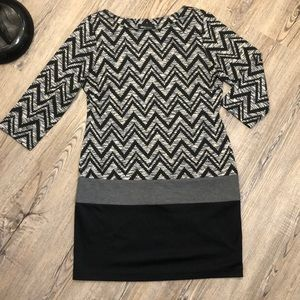 RN Studio Bold Pattern 3/4 Sleeve Dress - Sz 12